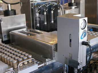 MTP (well-plate) pressure block with screwless, self-sealing automated opening / closing